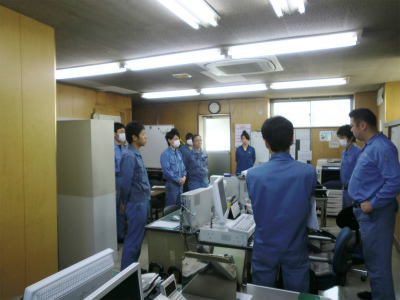 Morning assembly scenery・Share the information of business trip